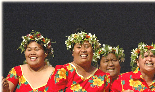 Dance Group from Mauke - Te Maeva Nui 2005 / Cook Islands