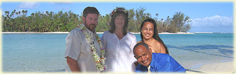 Angela and Patrick Sloan renewed their vows on Muri Beach / photo: Lawrance