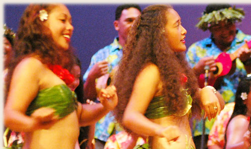 Dance Group from Pukapuka with kapa rima - Te Maeva Nui 2005 / Cook Islands