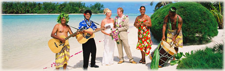 island string band during a wedding on Muri beach / photo: ?